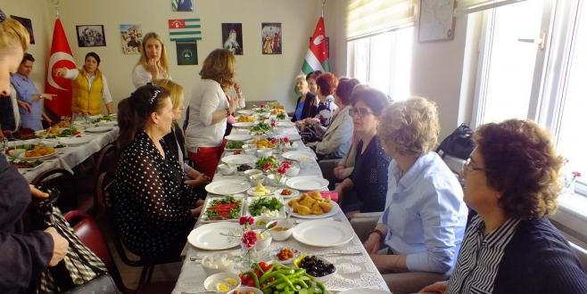 2 Kasım Eskişehir Abhaz Kültür Derneği'nin Kuruluş Yıldönümü.