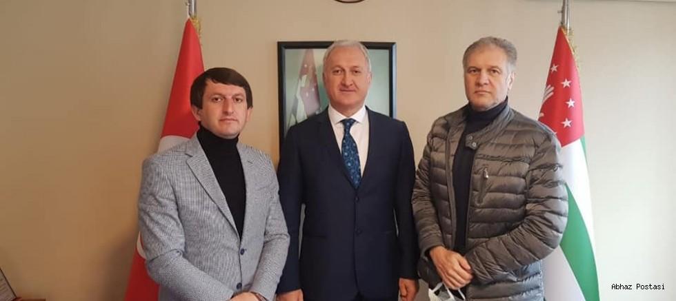 Abhazya Cumhuriyeti Türkiye Temsilcisi ve Yardımcıları Bugün Resmen Göreve Başladı