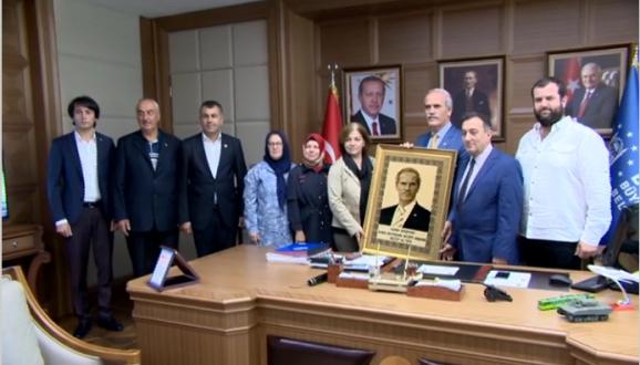 Abhazya'nın Bağımsızlık Yıldönümünde, Büyükşehir Belediyesi Yeni Binasındaki Makamında Bir Araya Geldi.