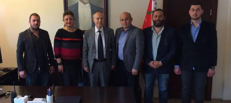 Bilecik Abhaz Derneği Ertuğrul Elban'ı Makamında ziyaret etti.