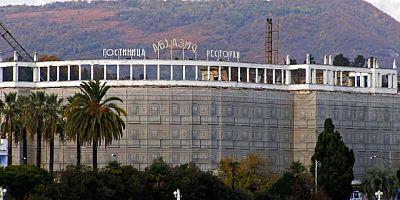 Tarihi Abhazya Oteli Restore Ediliyor